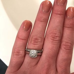 Jewelry - Engagement ring and matching wedding band